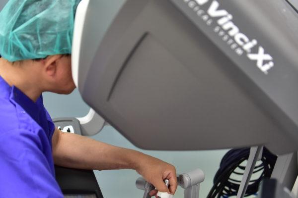 無料:心臓弁膜症ウェブセミナー「ダビンチを用いたキーホール手術 ─ もう胸は切らない時代 ─」開催